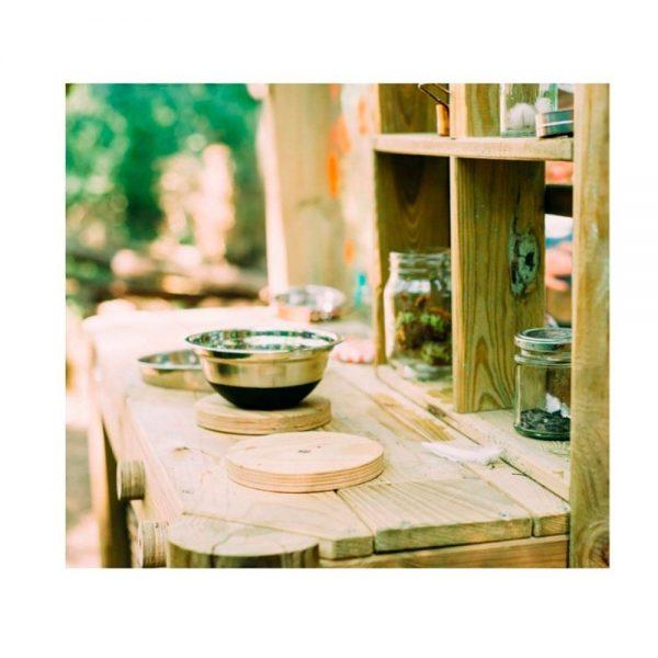 Cocinita de madera para exterior