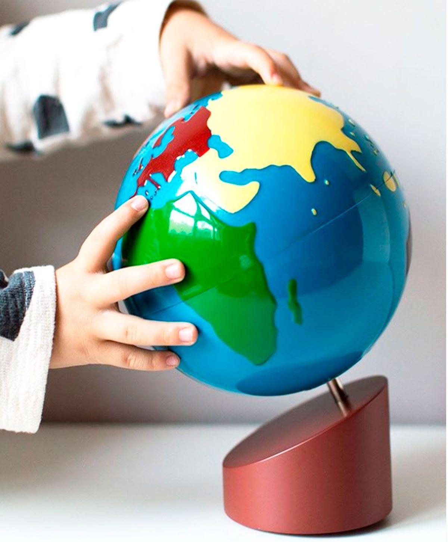Globo terraqueo de los continentes Montessori