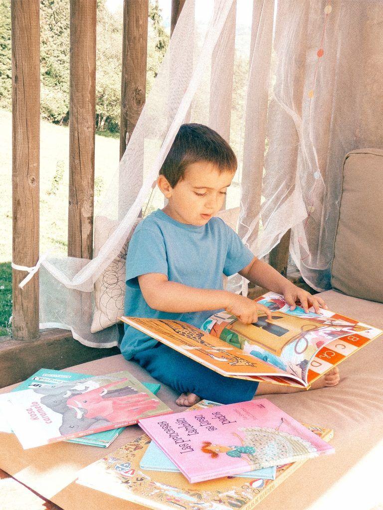 ambiente preparado rincón de lectura